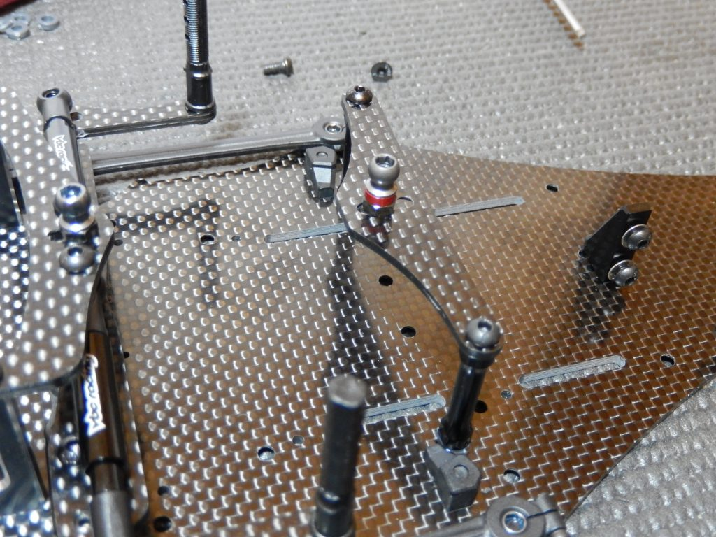 Soporte delantero de suspensión y sujeccion de pila montado en el VBC LightningFXM