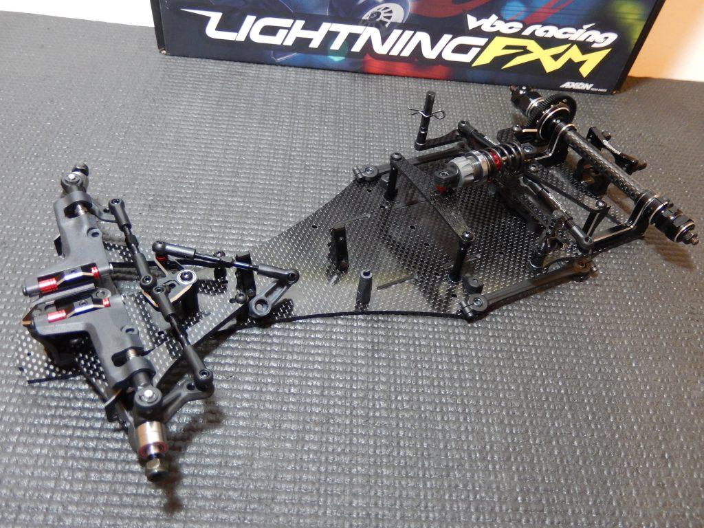 VBC LightningFXM terminado, a falta de colocar alerones, carrocería, ruedas y electronica.